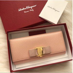 ❤️Authentic Ferragamo Wallet❤️